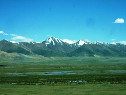 所有进出西藏的火车都把这段行程安排在