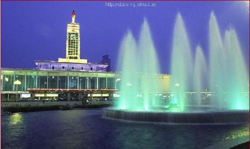 这是长沙火车站,始建在六七十年代